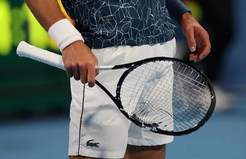 Тенисисти чупят ракети