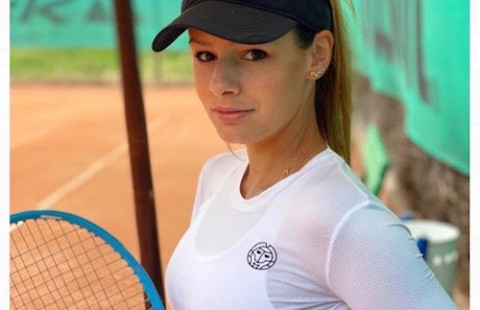 """Юлия Стаматова: """"От правилния избор на ракета зависи целия стил на игра, чуството и силата на ударите."""""""
