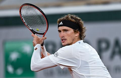 Защо има толкова много високи тенисисти?