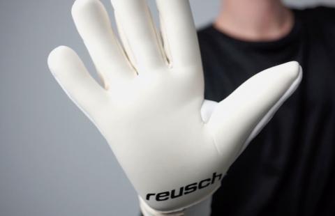Как да перете правилно вратарските ръкавици